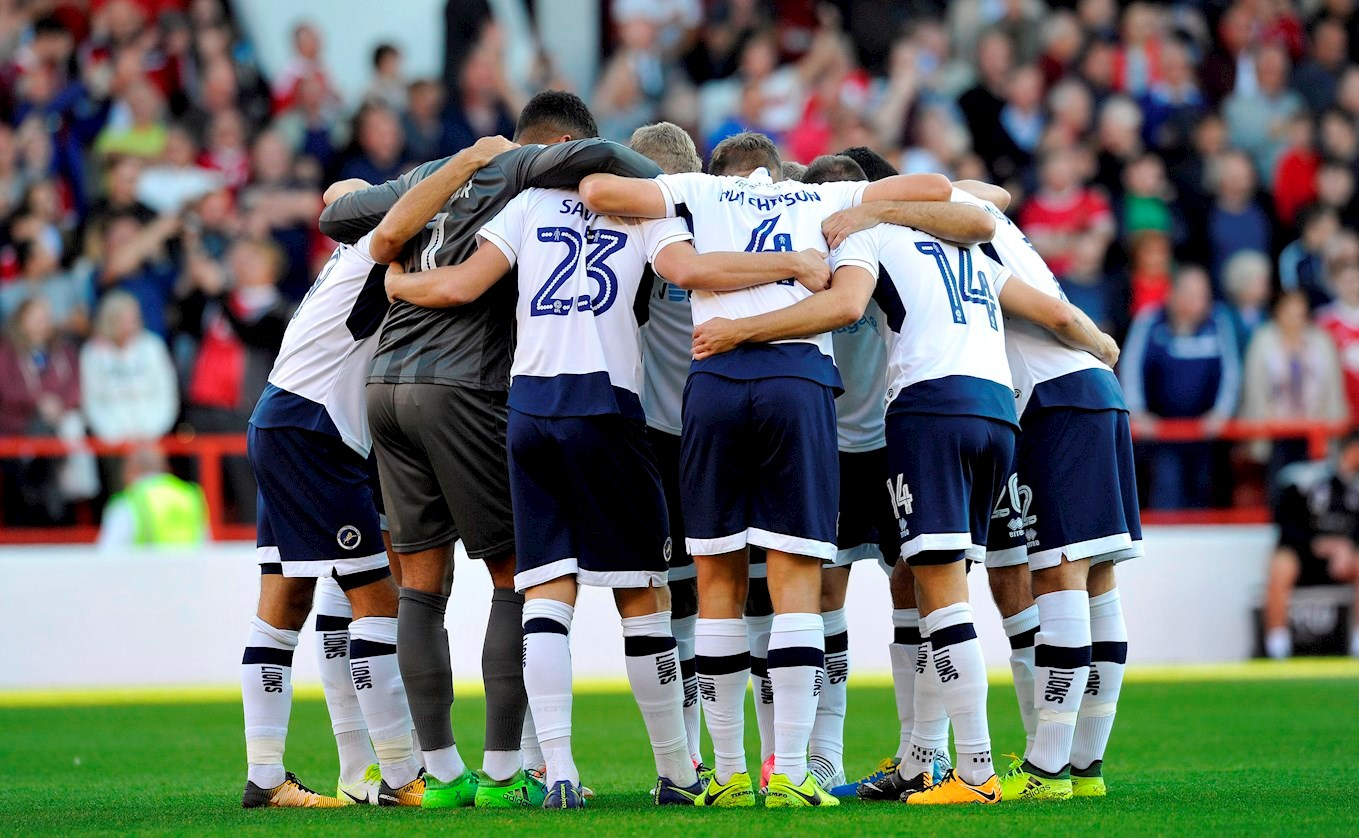 Forest Millwall team huddle